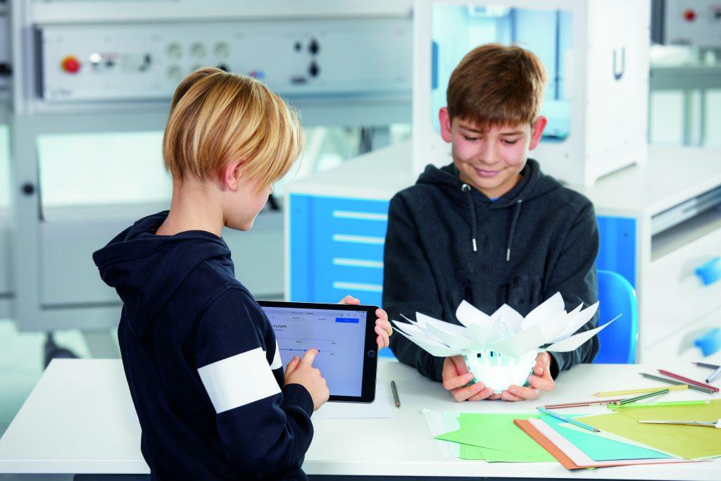 TOP STEM Virtual Study Tour 2021: Bionics4Education (US)