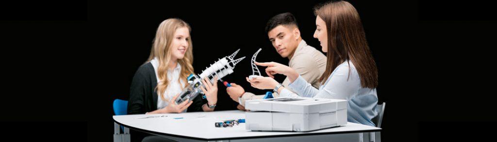 Interdisciplinary Learning in STEM by Bionics4Education